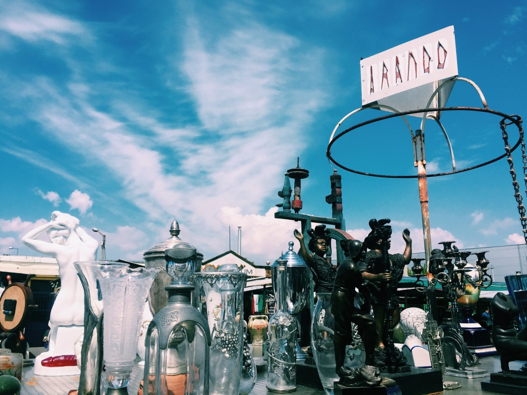 How to treasure hunt at Budapest's largest flea market!